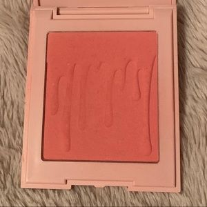 Kylie Cosmetics Makeup - Kylie Pressed Blush - Baddie On The Block